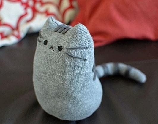 Котенок из носка