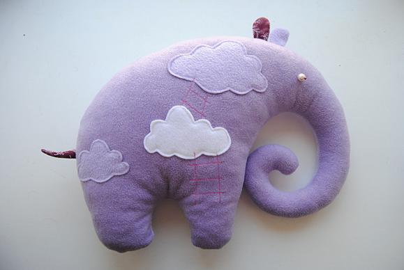 Слоник игрушка