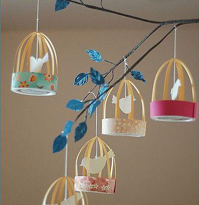 Бумажные клетки с птичками