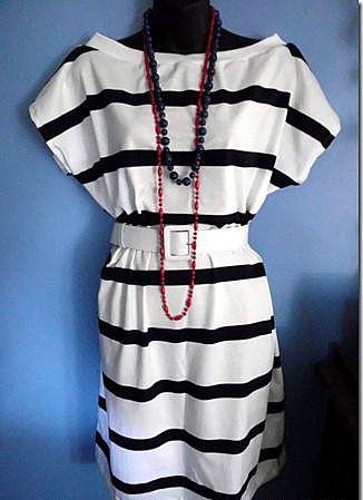 Нарядное платье из бесформенной футболки