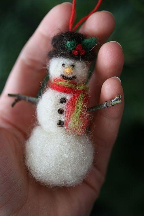 Снеговичёк из шерсти
