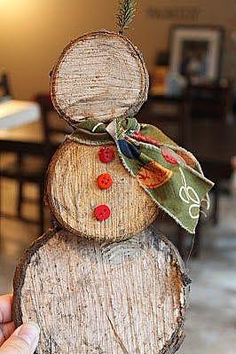 Снеговичек из полена