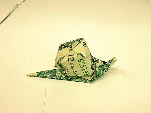 Улитка из денег