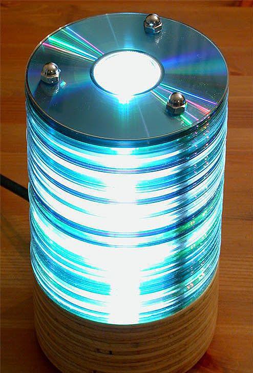 Лампа из компакт-дисков
