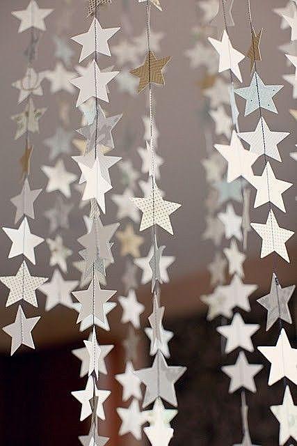 Шторка из бумажных звёздочек