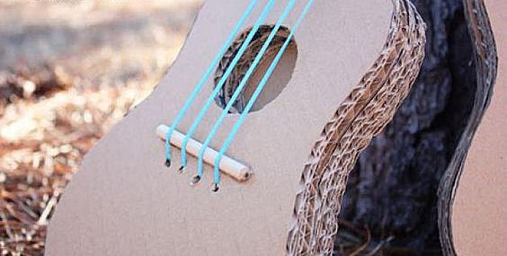 Гитара из картонки