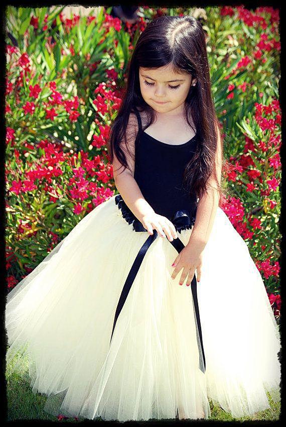 Чёрно-белый костюм для девочки