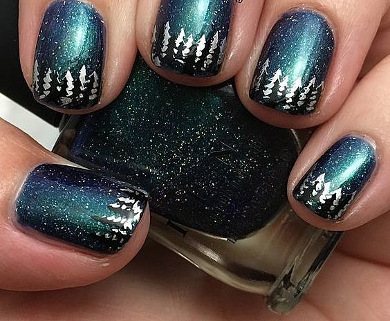 Ногти с елочками