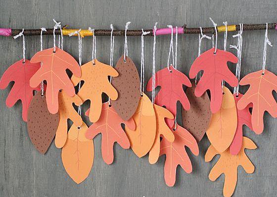Герлянда из бумажных листьев