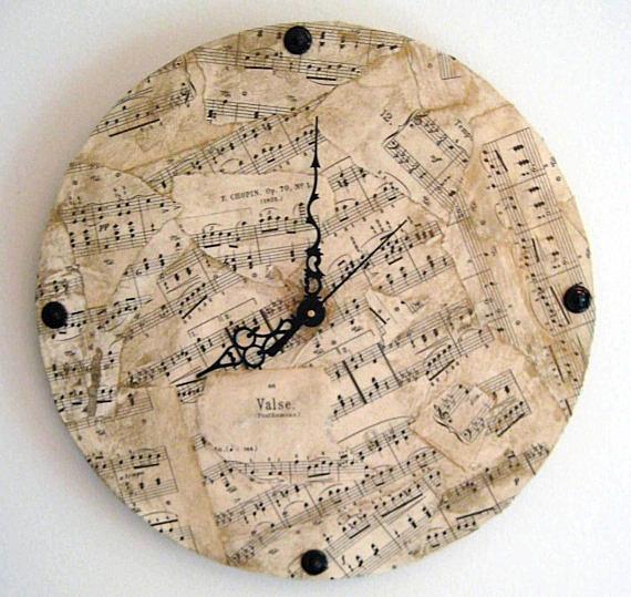 Винтажные часы с нотами
