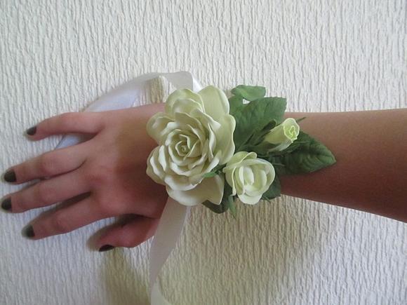 Оъбемное украшение на руку