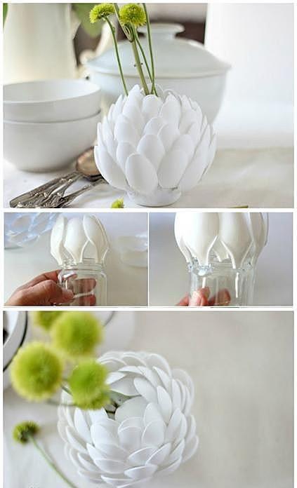 Цветок из пластиковых ложек
