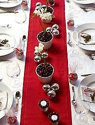 Красный с серебром декор для стола