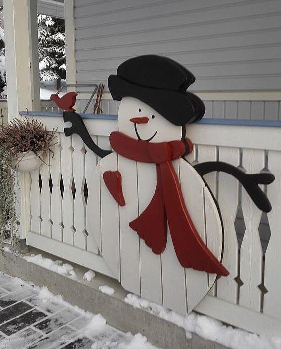 Снеговик из досок