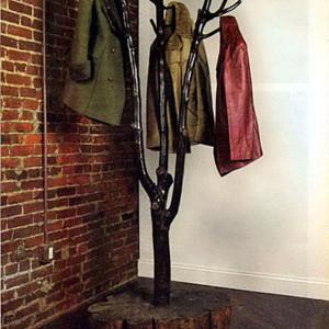 Напольная вешалка своими руками из дерева