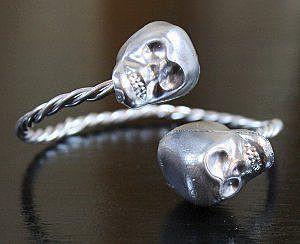 Браслет или кольцо с черепами