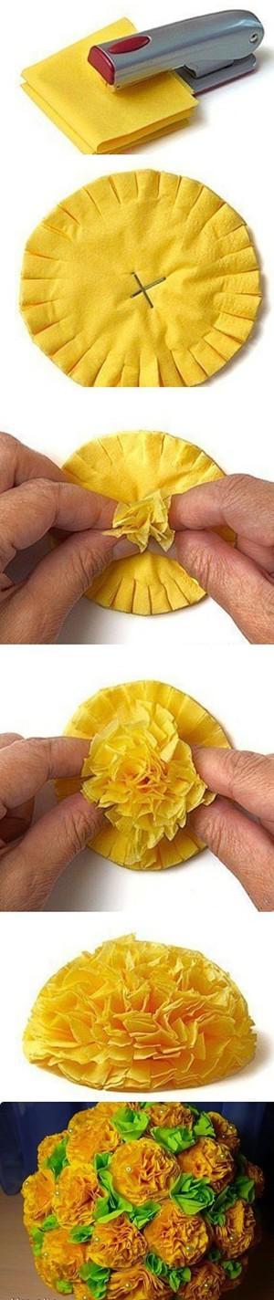 Жёлтые гвоздики из бумаги