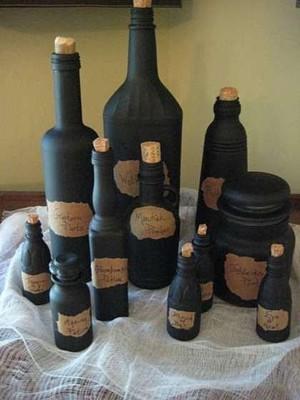 Чёрные бутылки и банки