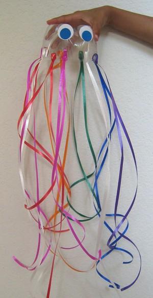 Медуза из пластиковой бутылки