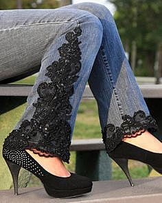 Кружевные вставки на джинсах