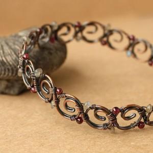 Изысканный бронзовый браслет