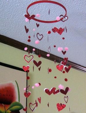 Мобиль с сердечками
