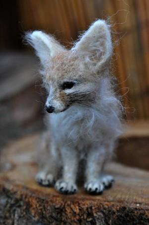 Лисичка из шерсти
