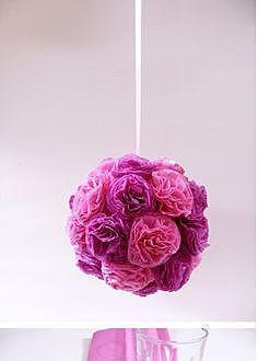Цветочный шар в спальне
