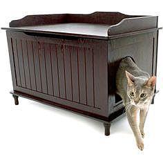 Домик для кота в старой мебели
