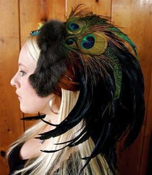 Плюмаж из меха и перьев