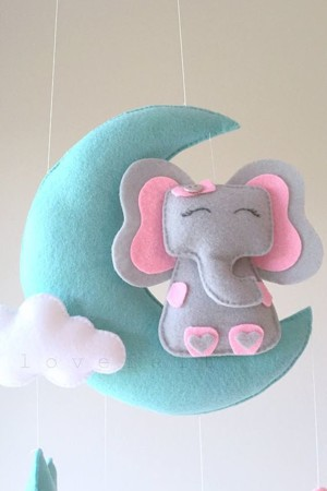 Слоник на луне