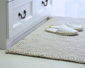Вязанный коврик