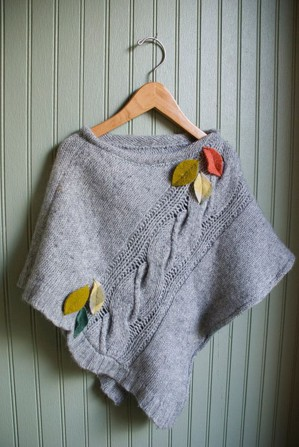 Накидка из свитера