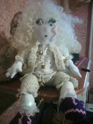 Пупс-девочка текстильный.