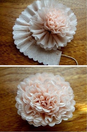 Простой цветок из креп бумаги