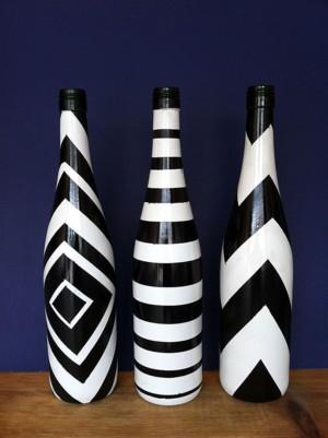Чёрно-белые бутылки