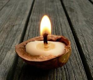 Свеча в скорлупе