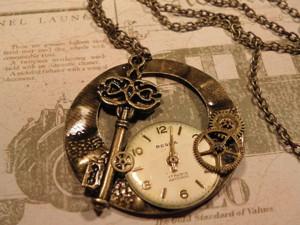 Часы - подвеска своими руками