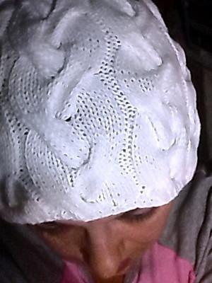 шапка бела