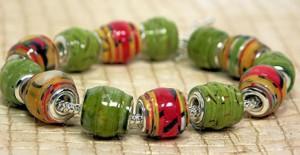 Красно-зелёный браслет