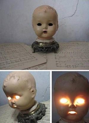 Лампа из кукольной головы