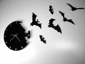 Летучие мыши из часов