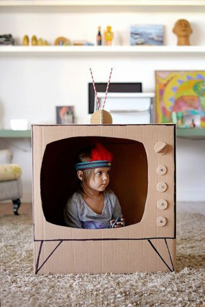 Картонный телевизор