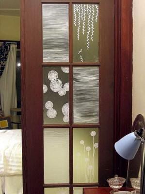 Декор окошек в межкомнатной двери