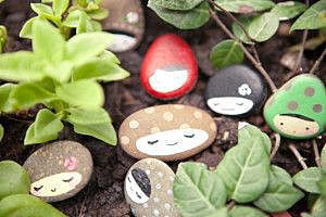 Каменные мордашки в саду