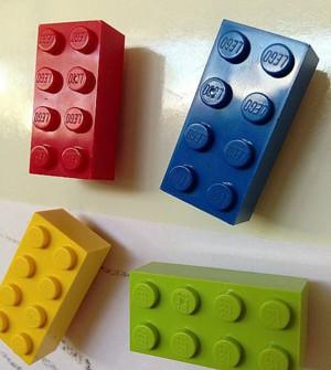 Магниты из конструктора LEGO