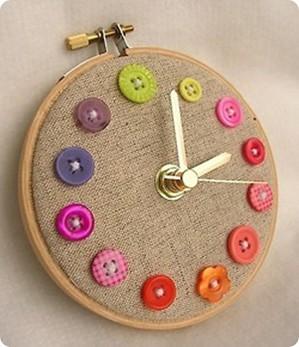Часы с пуговицами