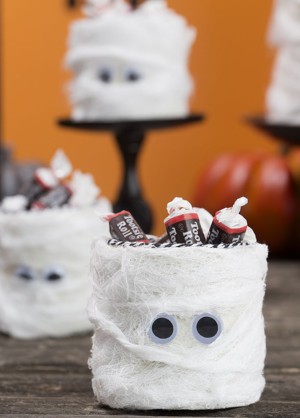 Мумия с конфетами