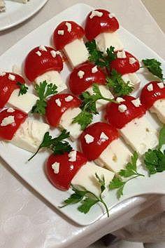 Грибочки из сыра и помидорок