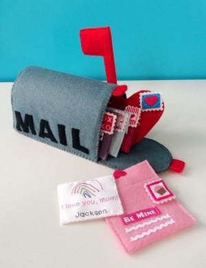 Почта из фетра